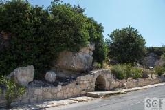 Apikreni Old Natural Fount
